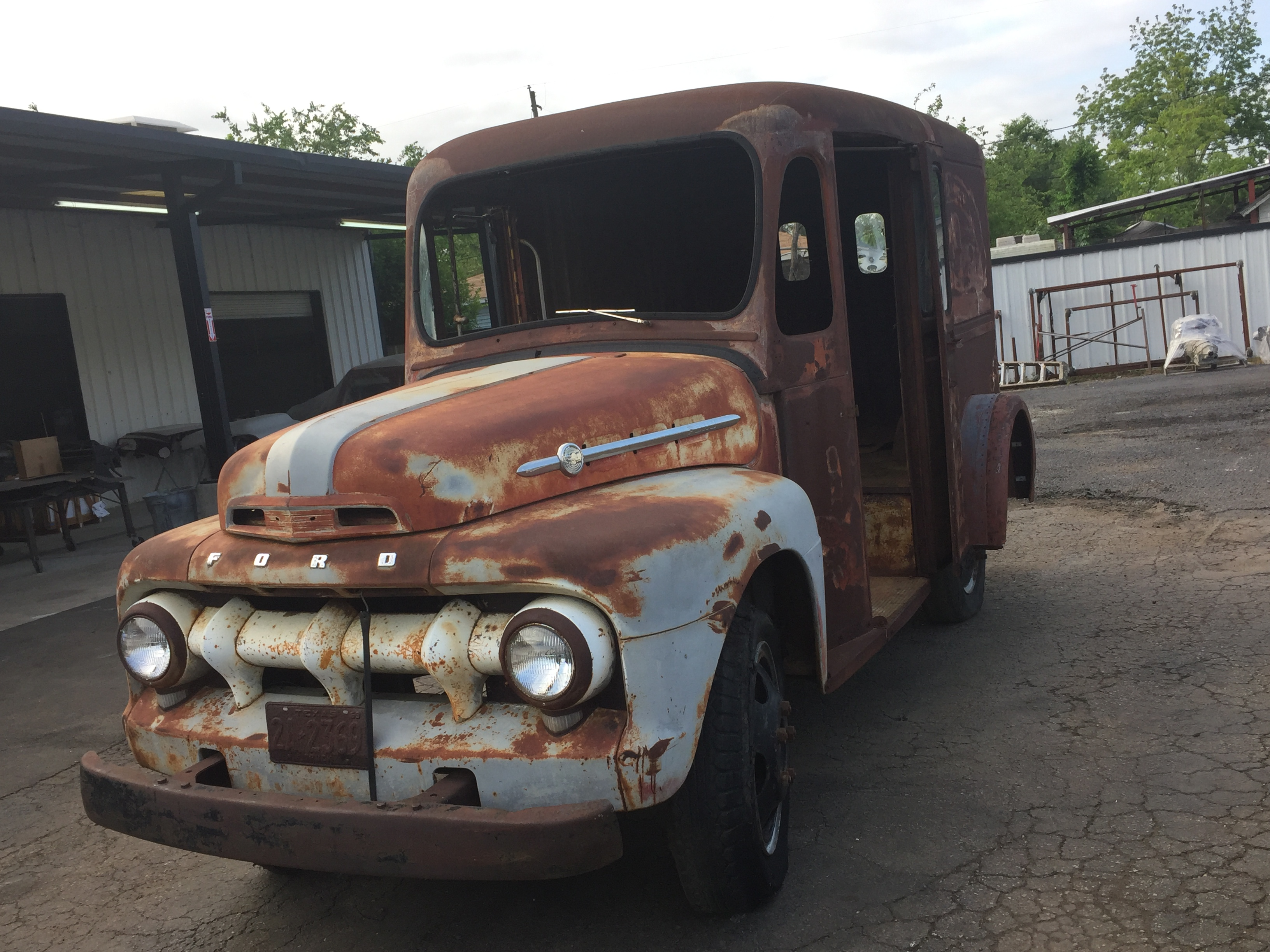 beautiful patina - 1952 Ford F4 Milk Truck - Texas Metal